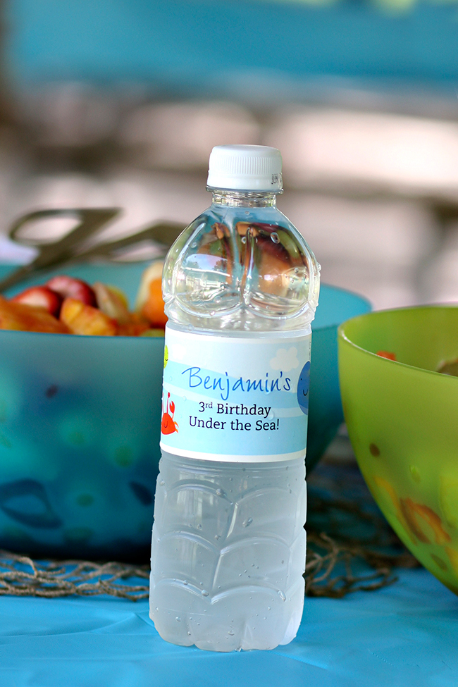 Under the Sea water bottle labels. LOVE!
