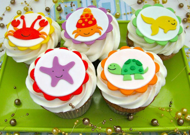 Cupcake Decorating Ideas Under The Sea : Under the Sea cupcake tops by Edible Details Chickabug