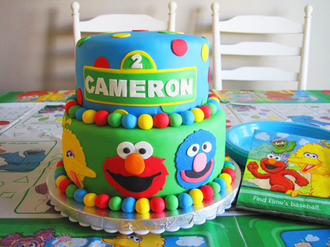 Best Sesame Street cakes and cupcakes Chickabug