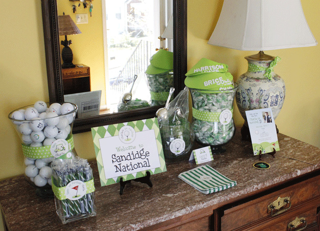 ribbons and personalized golf stickers were used to decorate the candy ...