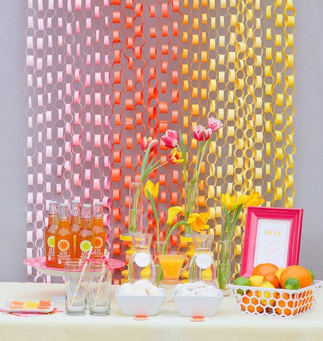 one pretty pin paper chain backdrop chickabug
