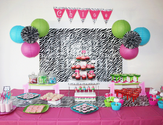 Zebra party chloe is 1 chickabug for Animal print party decoration ideas