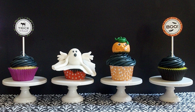 Halloween printables from Chickabug / Gum paste toppers by Just Sugar Coat It