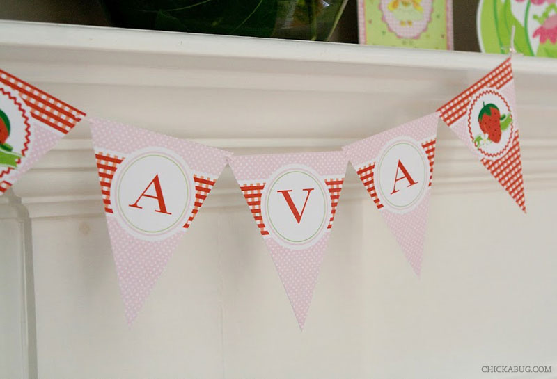 Strawberry theme birthday - printable banner from Chickabug