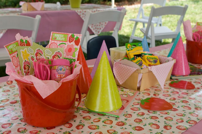 Strawberry theme birthday party - kids table