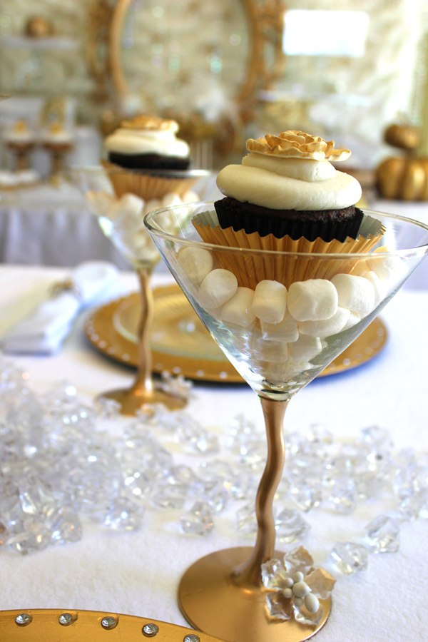 Cupcake + martini glass = New Year's Eve cupcaketini!