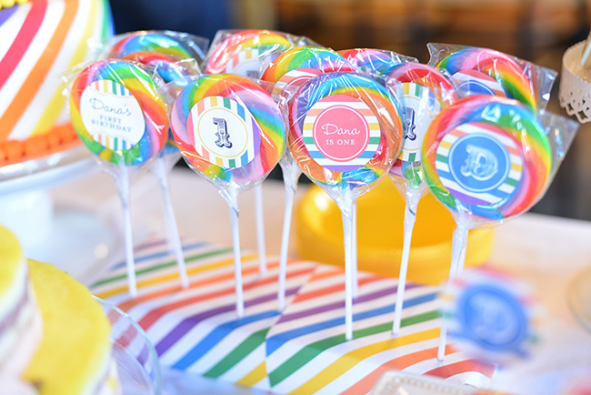 Rainbow theme lollipop display - so perfect! Printables from Chickabug