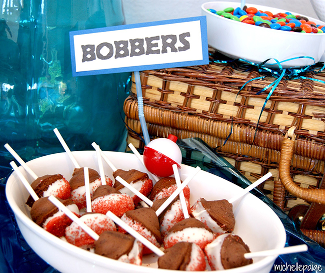 "Fishing party ""bobbers"" - cake bites on a stick"