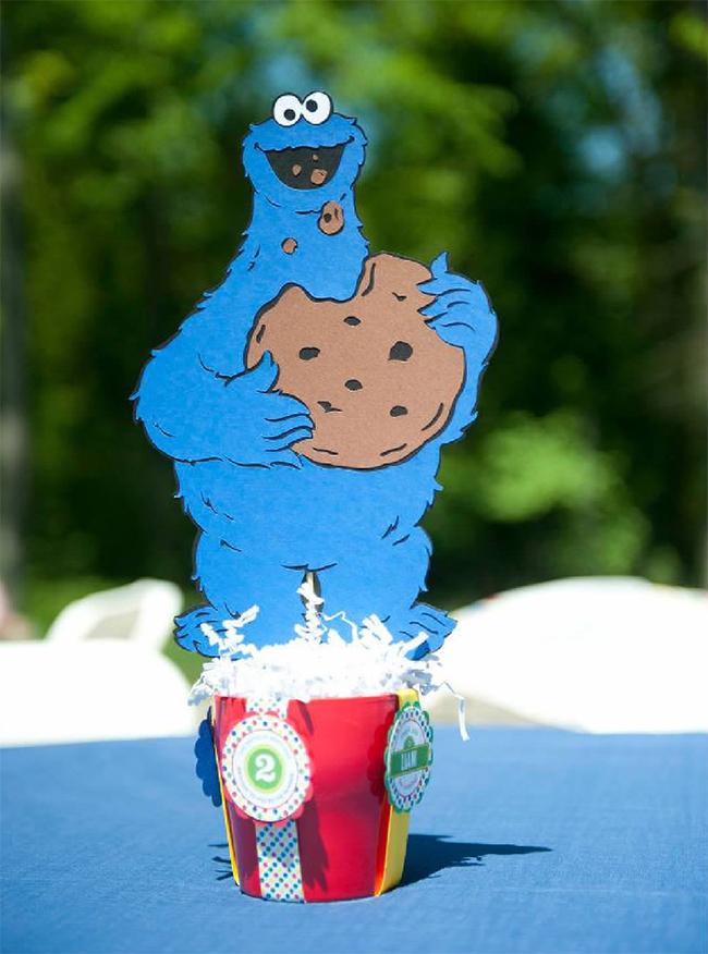 Sesame Street birthday party Cookie Monster centerpiece