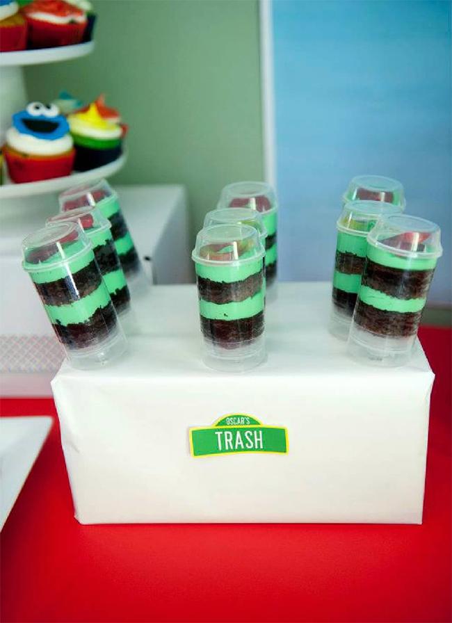 "Sesame Street birthday party - ""Oscar's trash"" push-up cake pops"