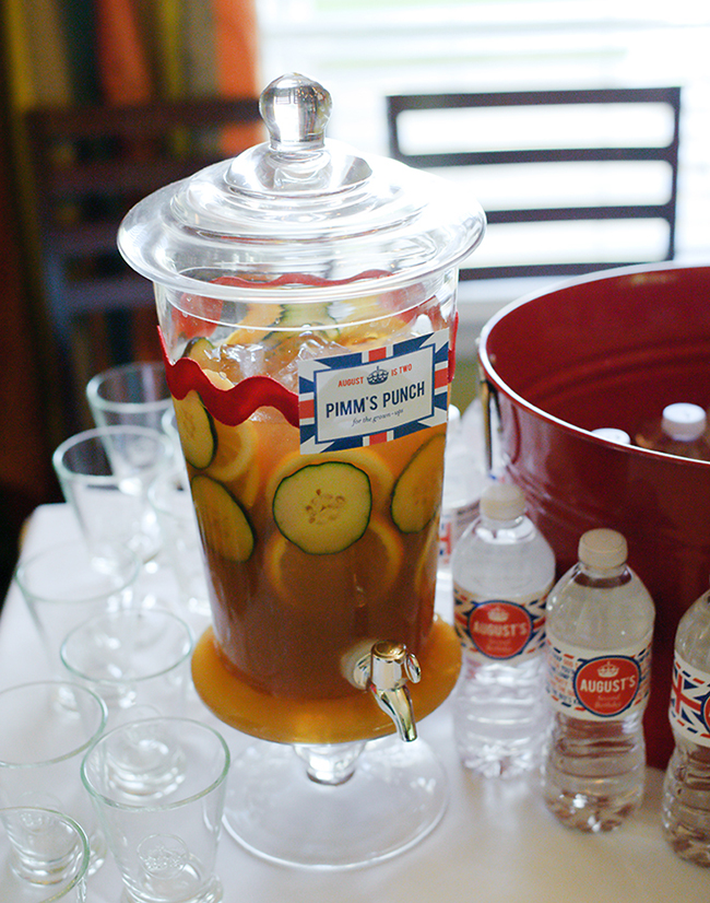 """""""London Calling"""" 2nd birthday party - Pimm's Punch! DIY printables from Chickabug"""