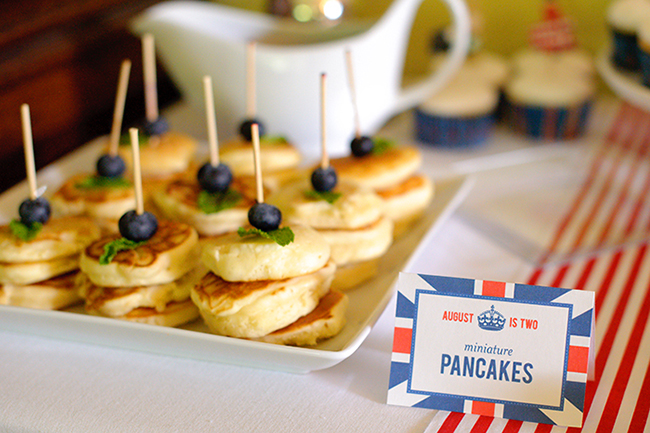 """""""London Calling"""" 2nd birthday party - DIY printables from Chickabug"""