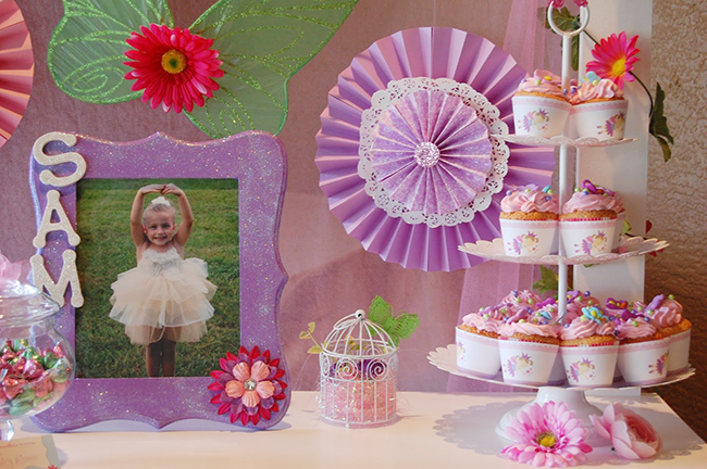 Garden fairy theme birthday party - printables from Chickabug