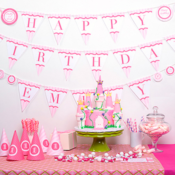 Pretty princess party table - Cake by EllaVanillaCakeKits.com, printables from Chickabug.com
