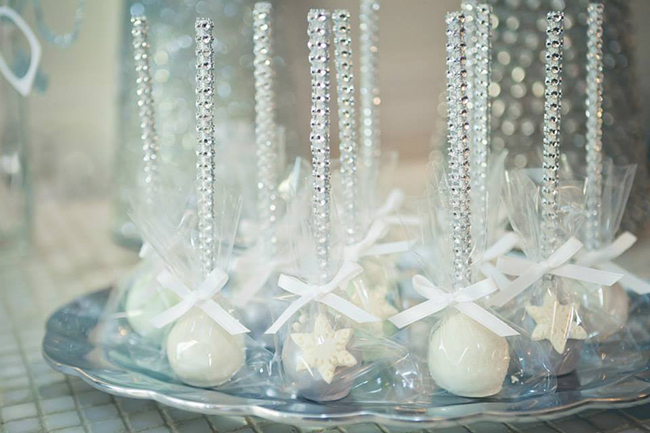 Winter One-derland Birthday Party - cake pops