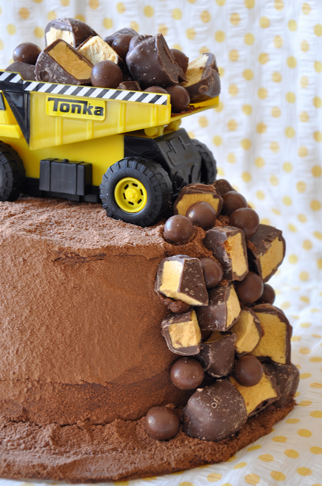 Diy construction birthday cake one pretty pin x3cb x3econstruction