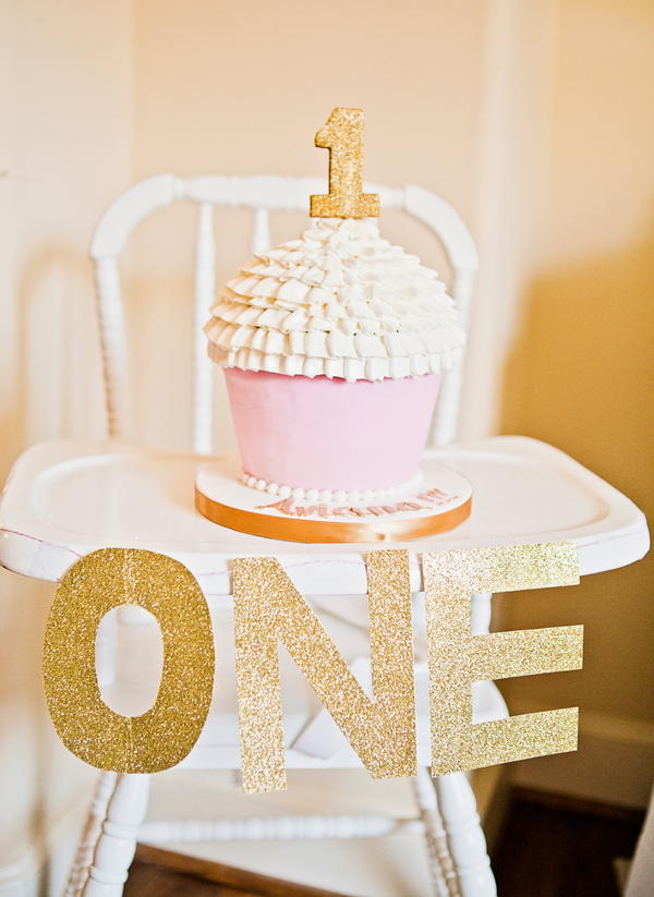 Birthday Cake Images Gold : Pink and gold princess party: Aviana is 1! Chickabug