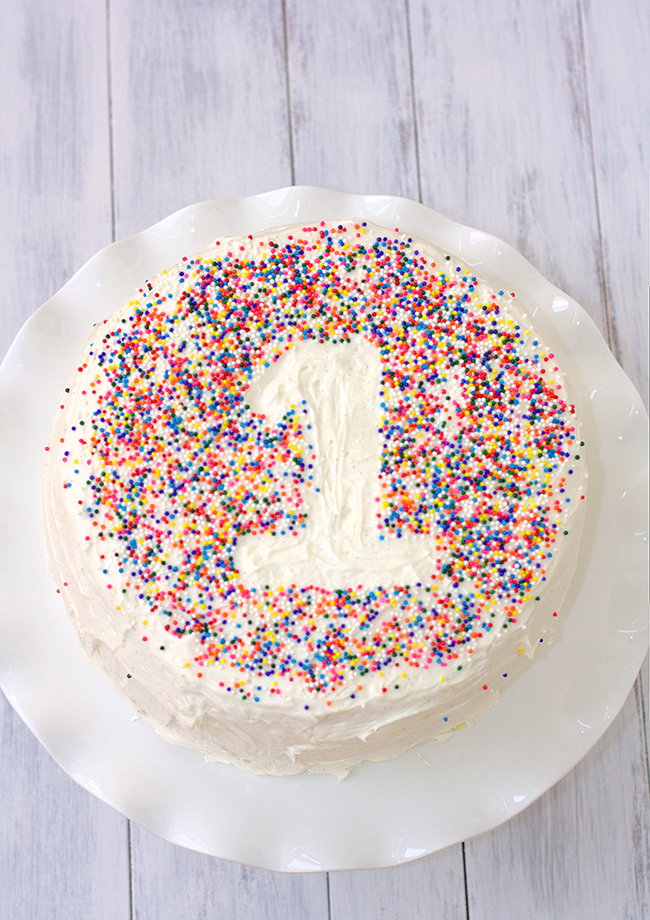 Easy Cake Decorating With Sprinkles : {one pretty pin} Sprinkle cake Chickabug