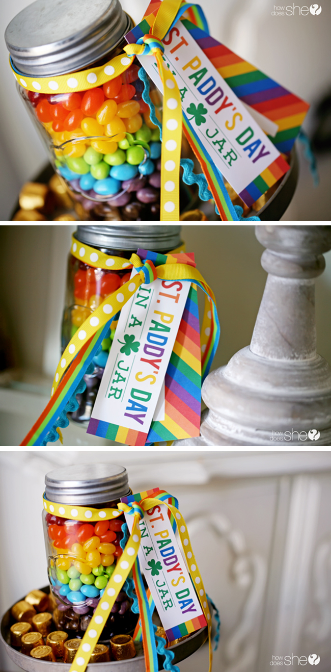 St. Paddy's Day in a jar - free printable! Make fun and easy St. Patrick's Day gifts and treats! #stpatricksday #freeprintable