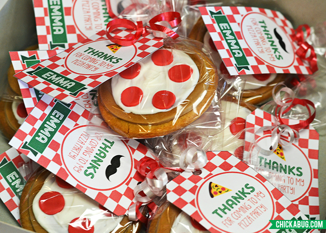 Pizza theme party favors - adorable cookies with printable tags from Chickabug