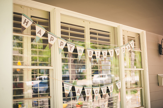 Train theme birthday party - printable banner from Chickabug