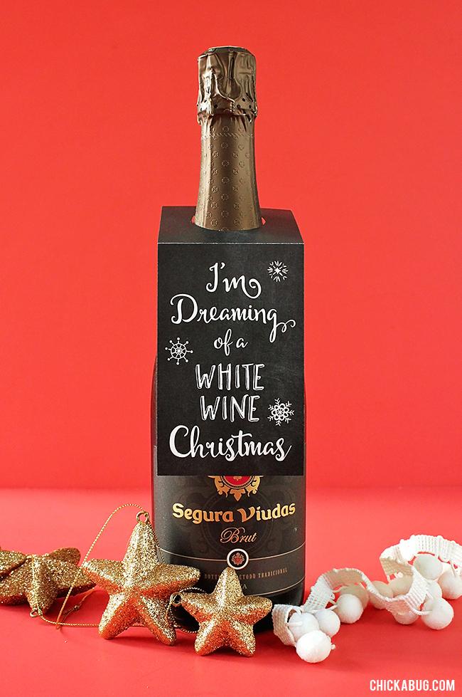 "Free Printable ""White Wine Christmas"" Wine Tags | Chickabug"
