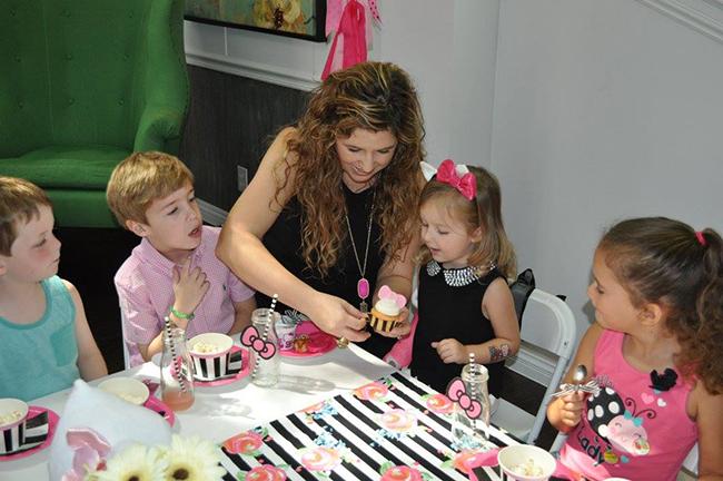 Adorable Hello Kitty birthday party!