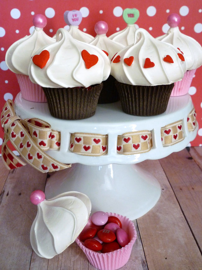 Edible cupcake favor boxes for Valentine's Day. Even the cupcake liner is edible!