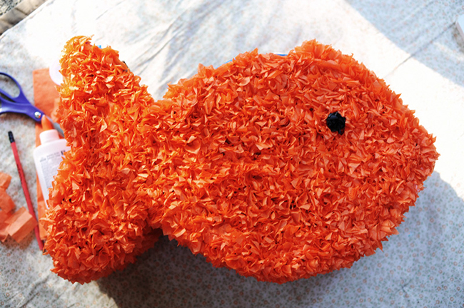 DIY goldfish pinata