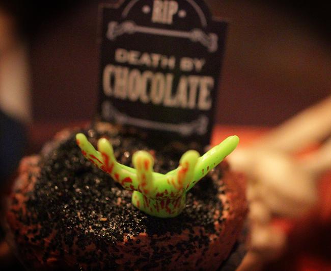 Free printable gravestone cupcake toppers