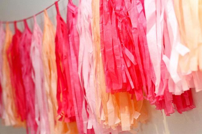 Pink ribbon breakfast streamers