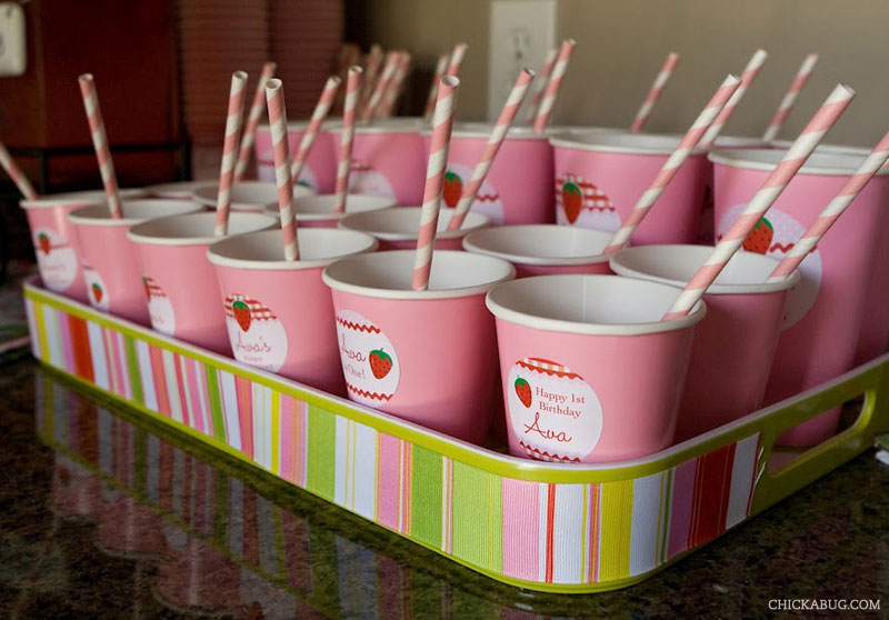 Strawberry theme birthday - cute pink cups! Stickers from Chickabug