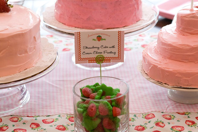 Strawberry party - Birthday cakes