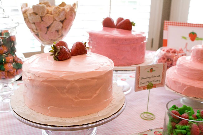 Strawberry cakes for a birthday party