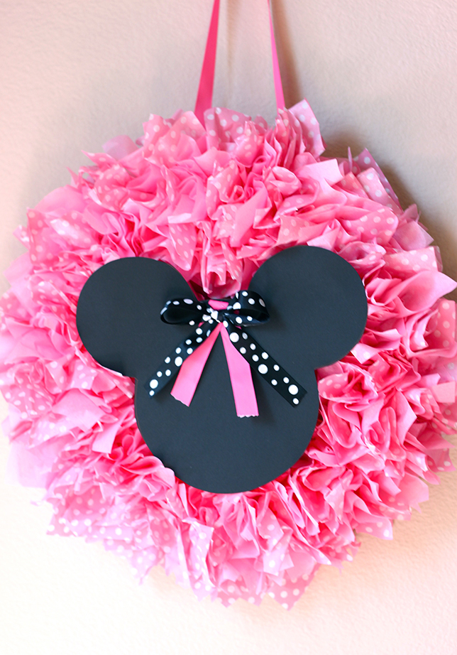 Minnie Mouse party - DIY wreath