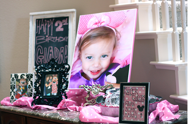 Minnie Mouse Party Birthday Girl Display Table