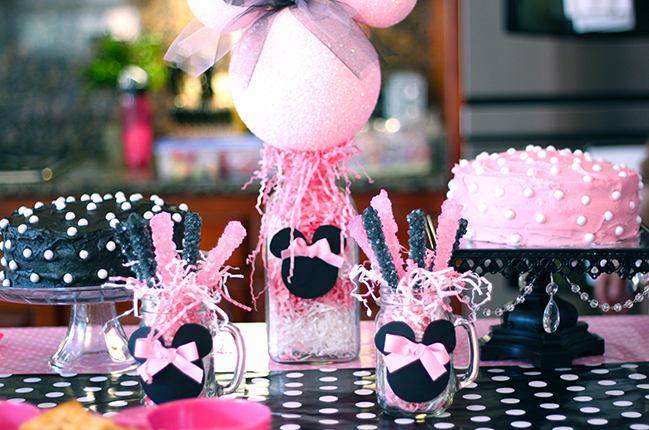 Minnie Mouse party food!