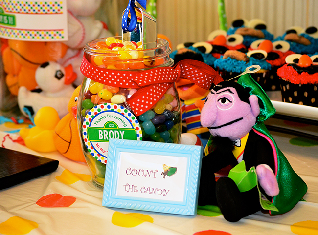 "Sesame Street birthday party - ""Count the Candy"""