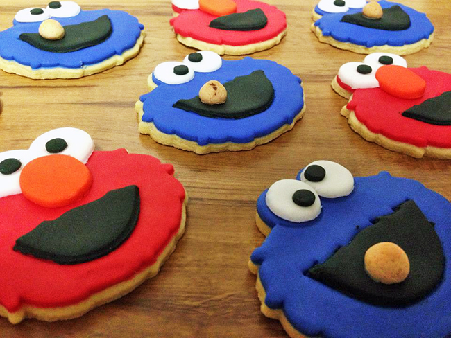 Elmo and Cookie Monster cookies - adorable!