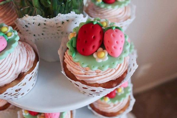Strawberry cupcakes - gorgeous!