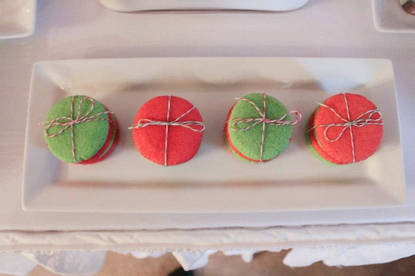 Strawberry Jell-O cookies tied with pink and green twine