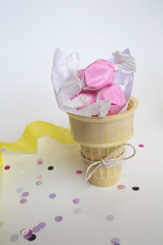 Ice cream cone party favors - adorable and easy for a summer party or birthday party!