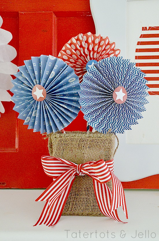 DIY patriotic paper rosettes by Tatertots and Jello