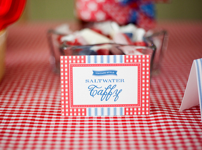 Salt water taffy for the 4th of July - printables from Chickabug