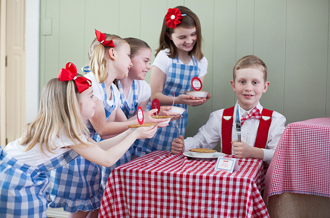 "Country fair party and ""pie bake-off"" - just adorable, and perfect for the 4th of July!"