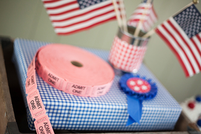 "Vintage patriotic picnic and ""pie eating bake-off"" - a unique way to celebrate the 4th of July!"