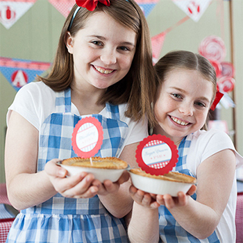 """Country fair party and """"pie contest"""" - just adorable, and perfect for the 4th of July!"""