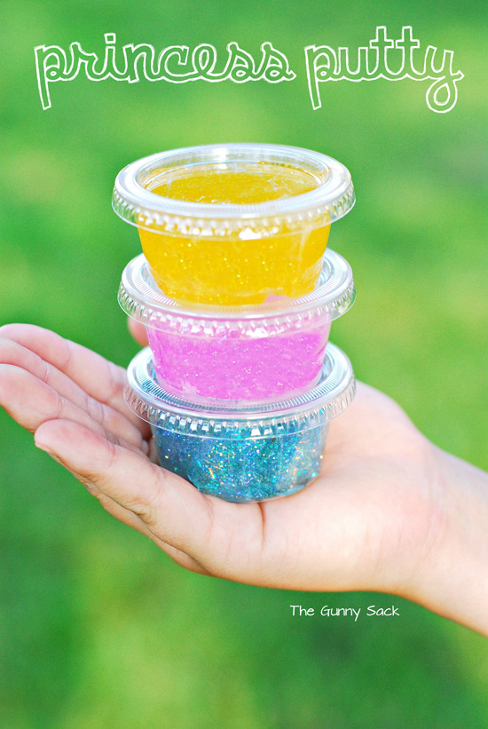 Princess Putty - a sparkly and fun DIY party favor!
