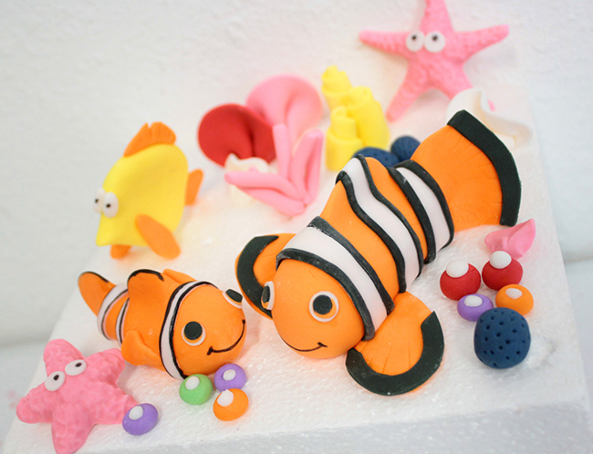 """Fondant """"Finding Nemo"""" cake toppers by Sugar and Stripes Co."""