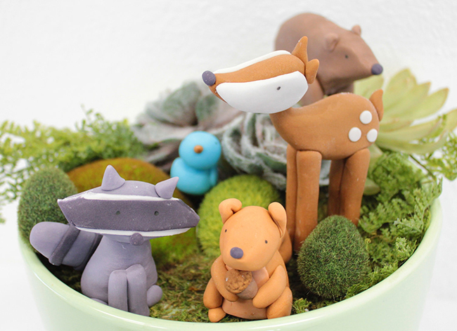 Fondant woodland animal cake toppers by Sugar and Stripes Co.